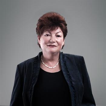 Elżbieta Warcholik-Kubas : senior associate