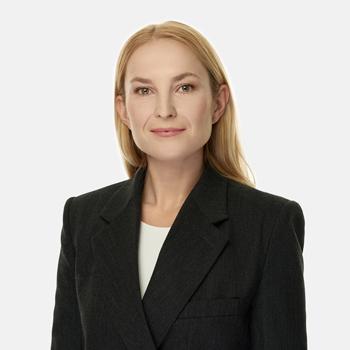 Patrycja Nowakowska : senior associate