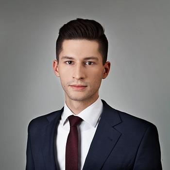 Maciej Truszkiewicz : senior associate