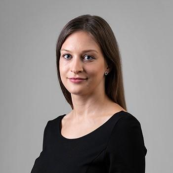 Katarzyna Kuśnierek : associate