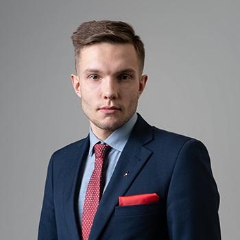 Marcin Ćwiertnia : associate