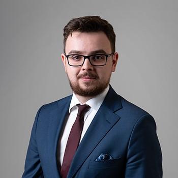 Michał Wszołek : associate