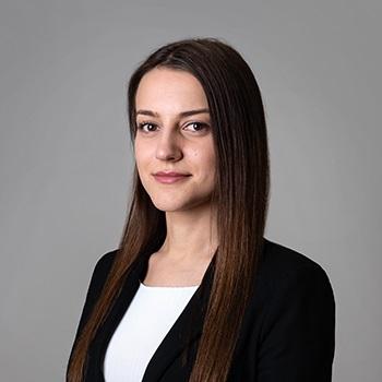 Paulina Bykowska : associate