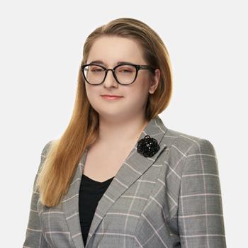 Anna Janiec : associate