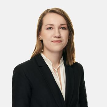 Monika Golec : associate